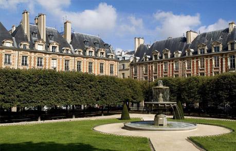 Le Pavillon de la Reine – Paris